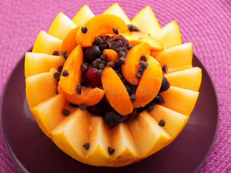 Owocowa sałatka w melonie fotografia stock