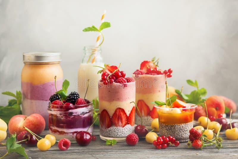 Owocowy jagodowy smoothie obraz stock