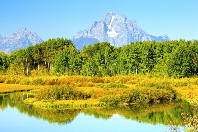 Oxbow krökningsoluppgång Autumn Colors, storslagen Teton nationalpark, Wyo fotografering för bildbyråer