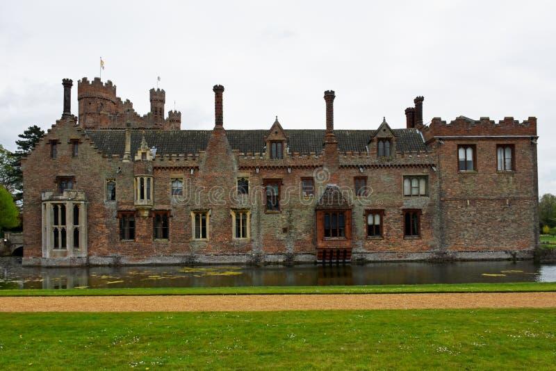 Oxburgh Pasillo, Norfolk, Inglaterra - vista posterior imágenes de archivo libres de regalías