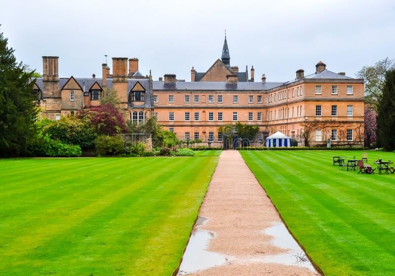 Oxford, architektura miasta i krajobraz parku po deszczu, Wielka Brytania zdjęcia royalty free