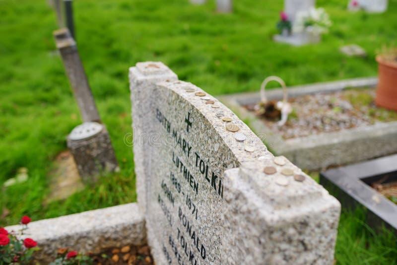 OXFORD, GROSSBRITANNIEN - 13. NOVEMBER 2017: Die letzte Ruhestätte von J r r Tolkien und seine Frau Edith Mary Tolkien in altem W stockfotografie