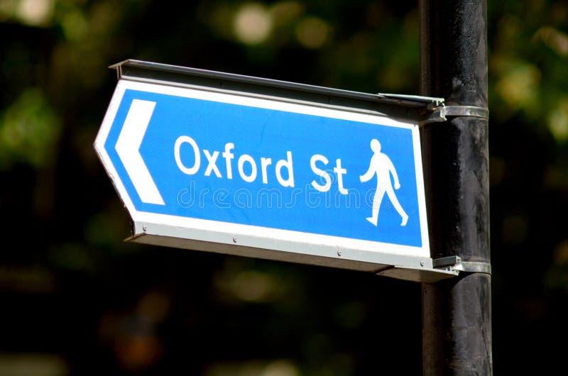 Oxford-Straßenschild in London England Großbritannien stockfotografie