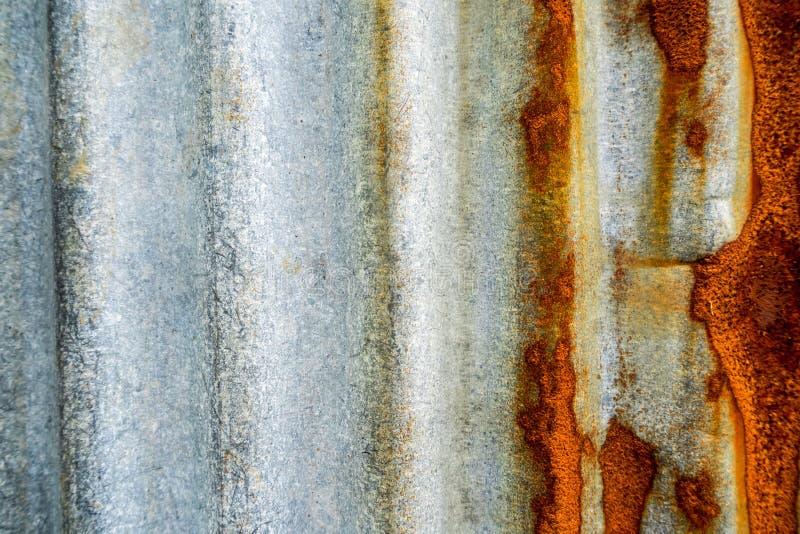 oxidação de aço galvanizada e corrosão da cerca imagens de stock royalty free