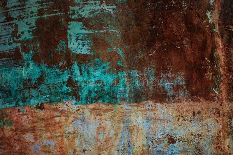 Oxidado viejo pintó una hoja de metal imagenes de archivo