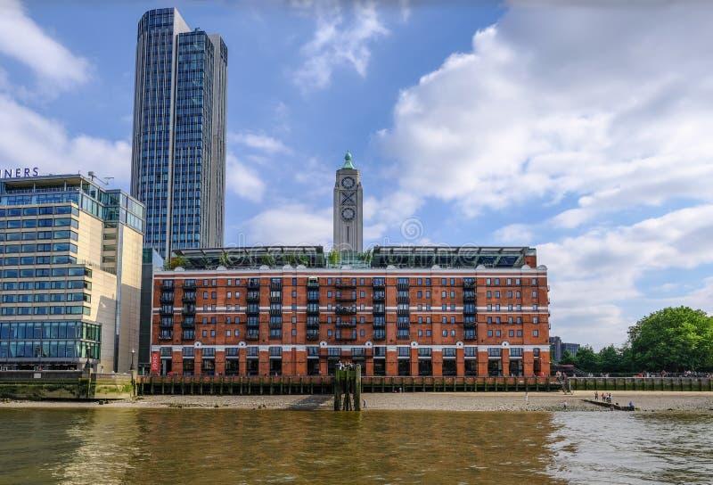 Oxo tornbyggnad på southbanken, London arkivfoton