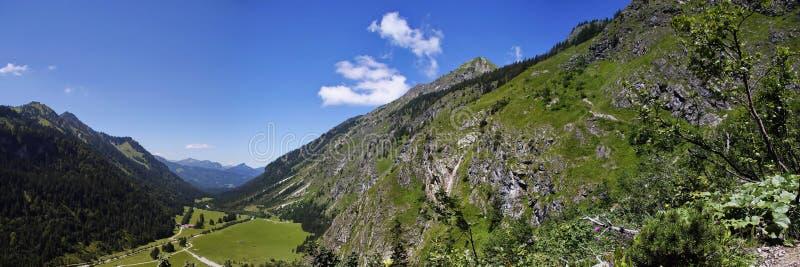 Oytal un alto nelle alpi bavaresi fotografia stock