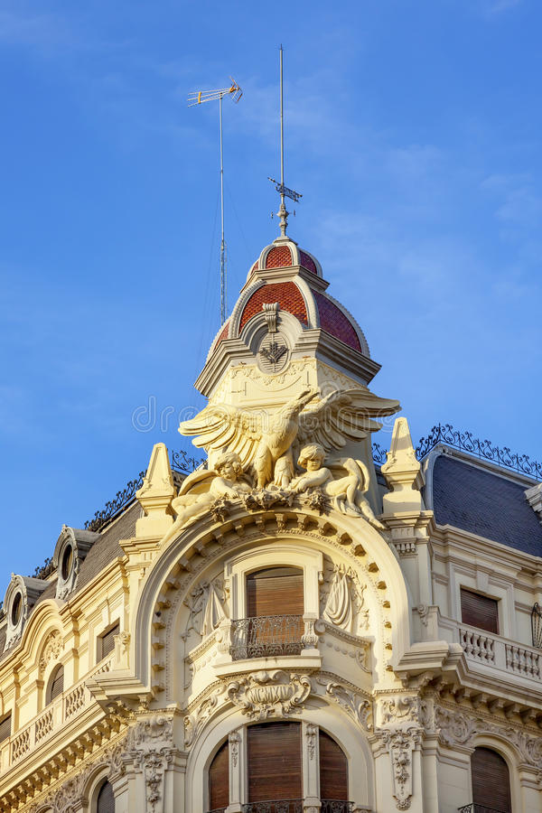 Ozdobna Hiszpańska budynek statui kopuła Granada Andal obrazy royalty free