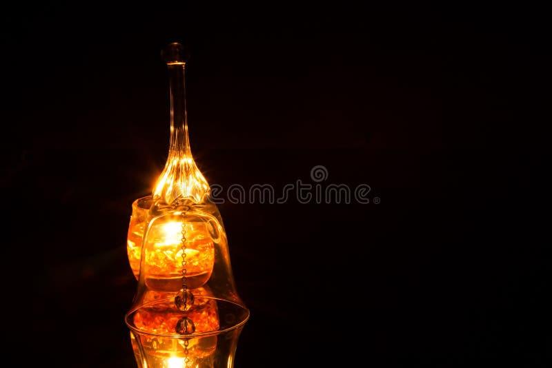 Ozdobny szklany dzwon odizolowywający na czarnym tle zdjęcie stock