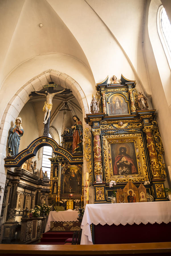 Ozdobny wnętrze kościół święty Giles w Krakow Polska fotografia stock