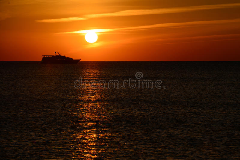 Ozean bei Sonnenuntergang stockbild
