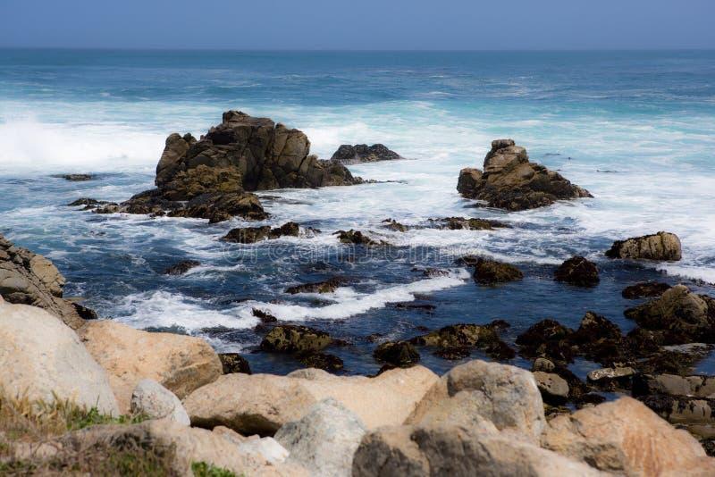 Ozean, Felsen und Gefahr stockfotos