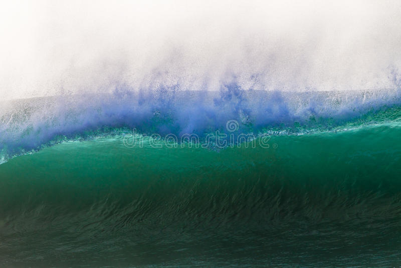 Ozean-Höhlen-Wellen-Hintergrundbeleuchtungs-Nahaufnahme lizenzfreie stockbilder