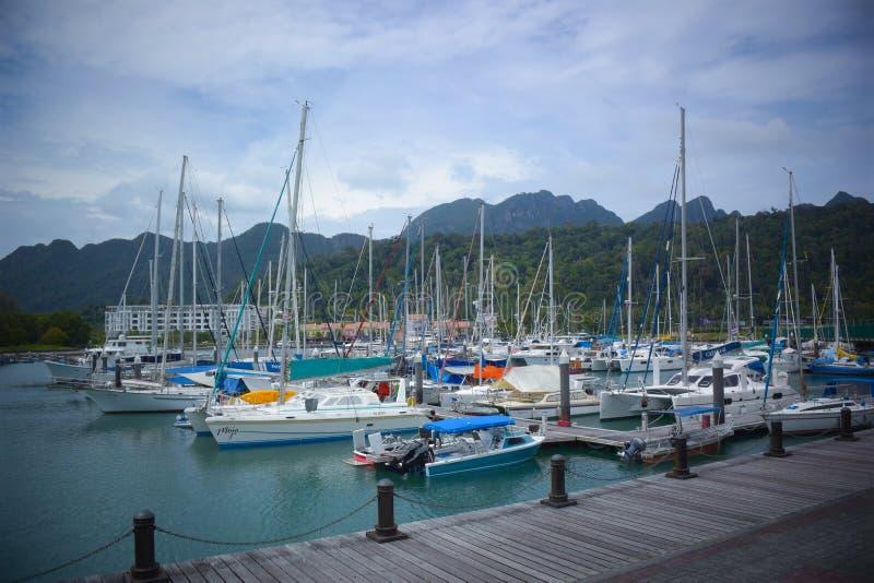 Ozean-Jachthafen lizenzfreie stockbilder