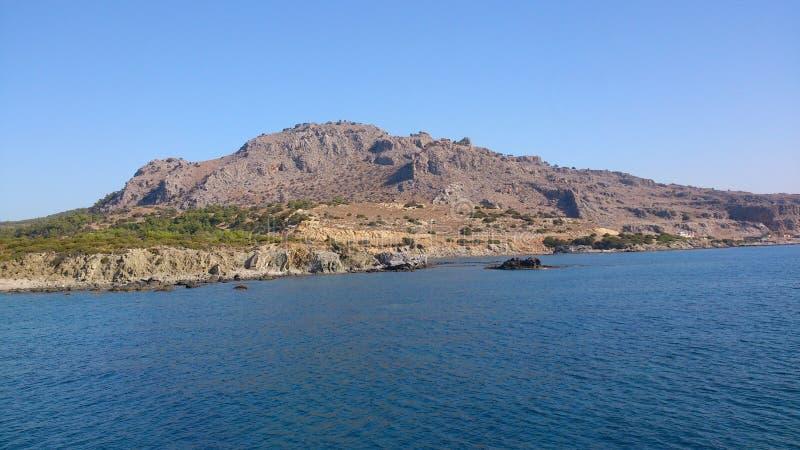 Ozean und Berg lizenzfreie stockfotos