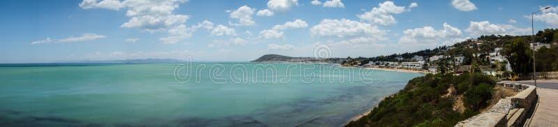 Ozean und Küstenlinie von Karthago, Tunesien stockbilder