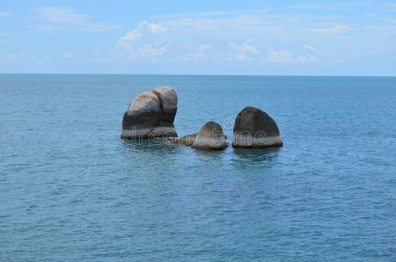Ozeanans rotsen stock foto