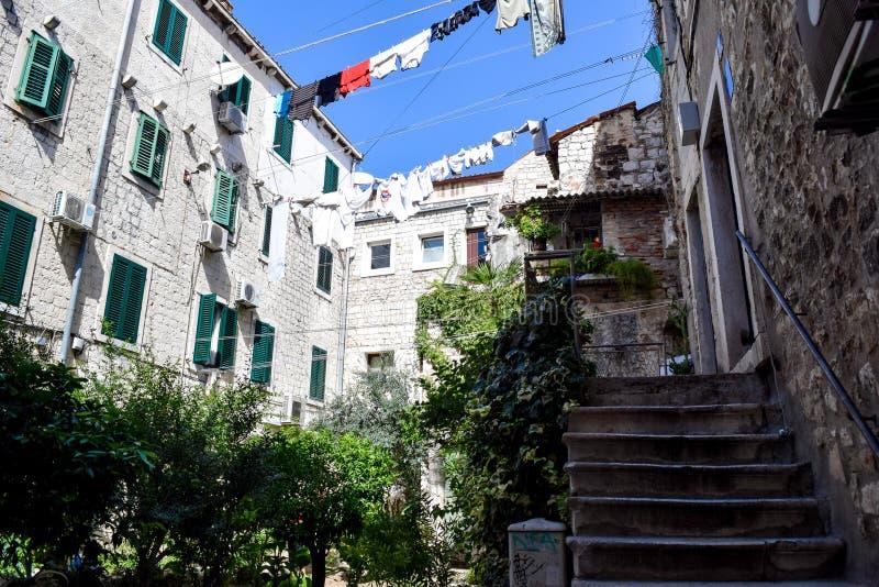 Ozy terras Ð ¡ in Kroatië, Europese stijl stock afbeeldingen