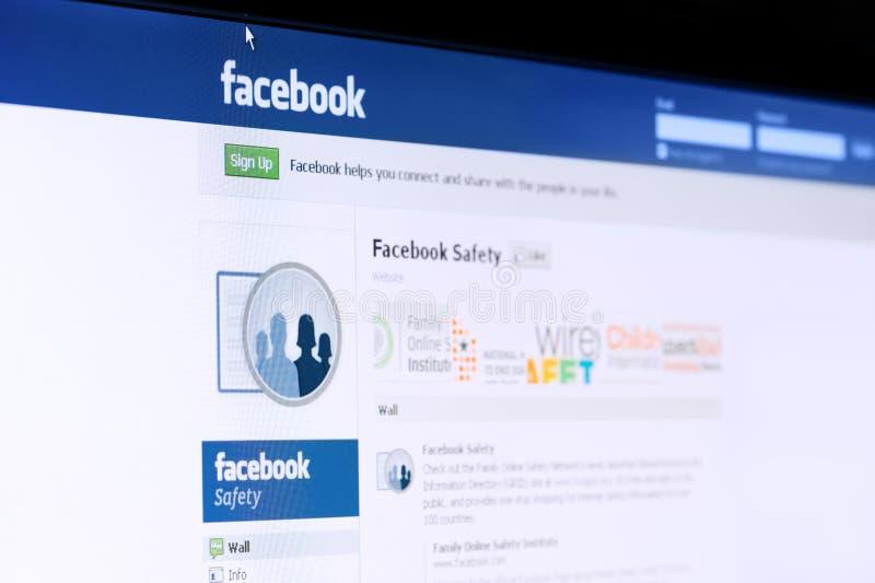 Página da segurança de Facebook no ecrã de computador. imagem de stock