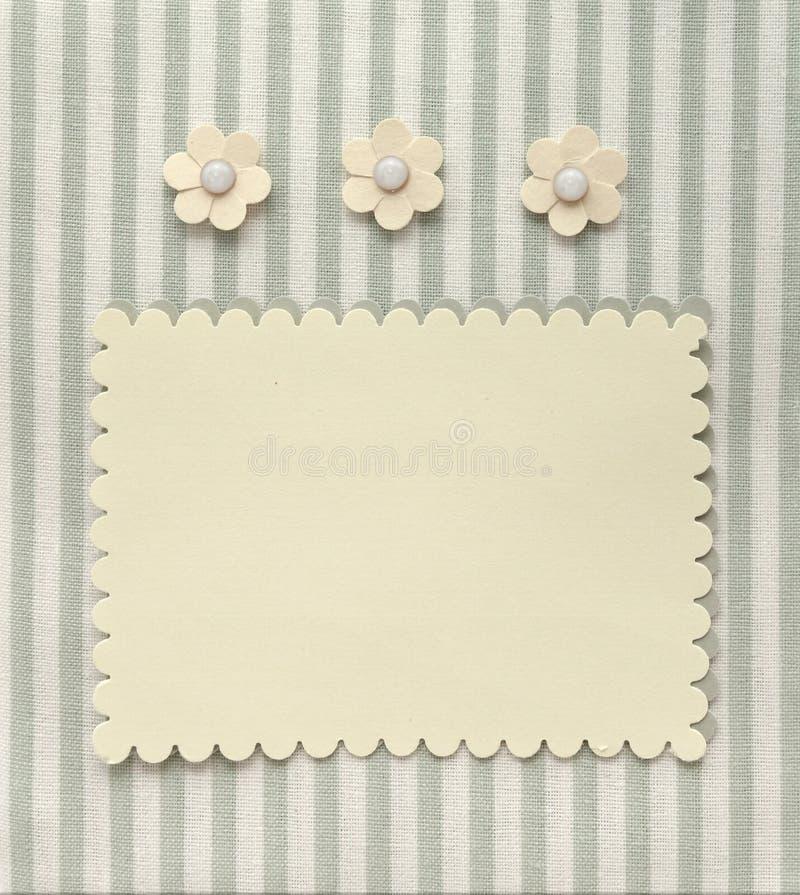 Página retra del álbum del estilo con la decoración en blanco de la foto y de la flor fotografía de archivo