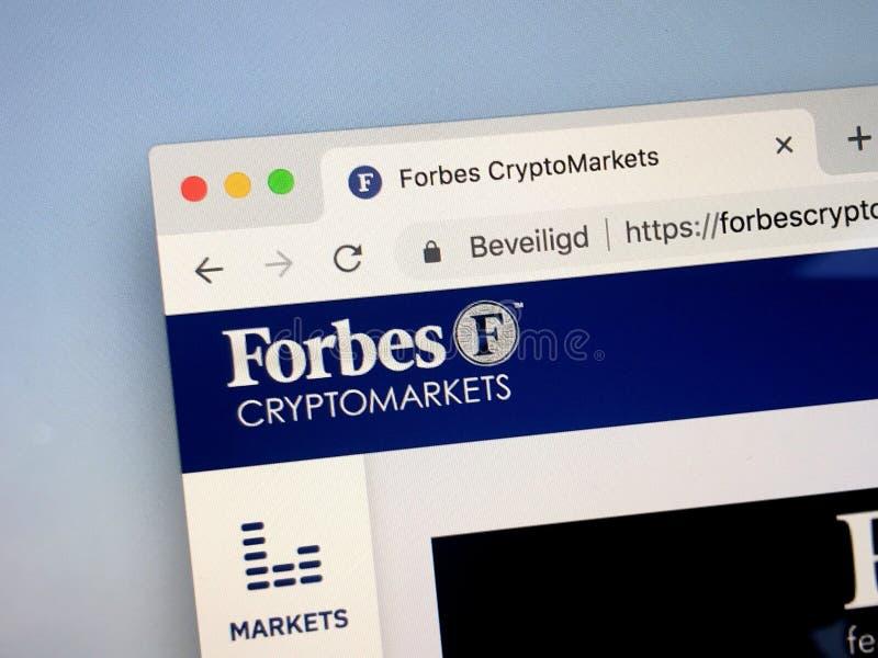 Página web de Forbes CryptoMarkets imagenes de archivo