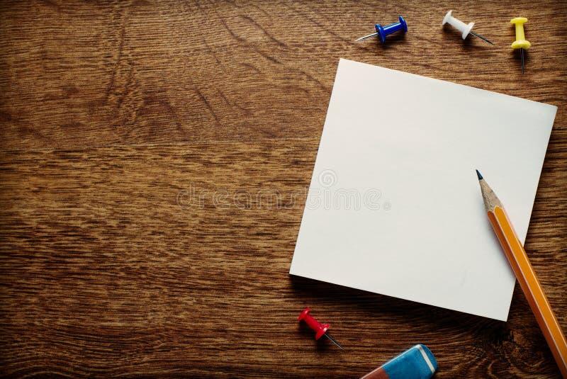 Páginas brancas vazias do memorando fotos de stock