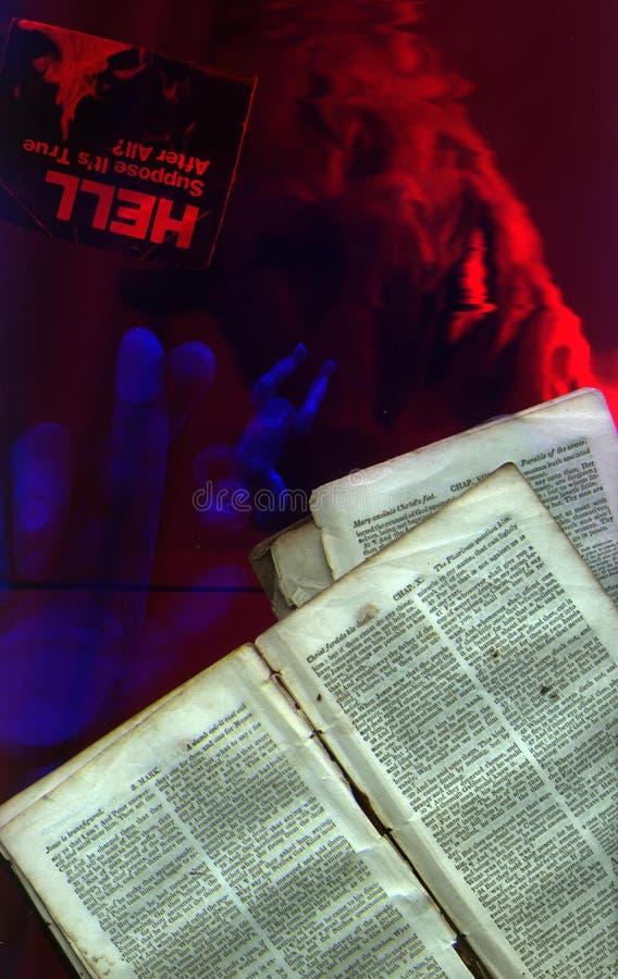 Páginas de la biblia foto de archivo