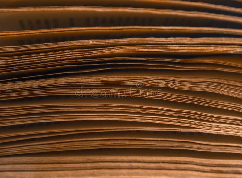 Páginas del libro viejo, primer imagen de archivo libre de regalías