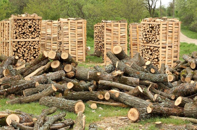 Páletes da madeira do incêndio foto de stock