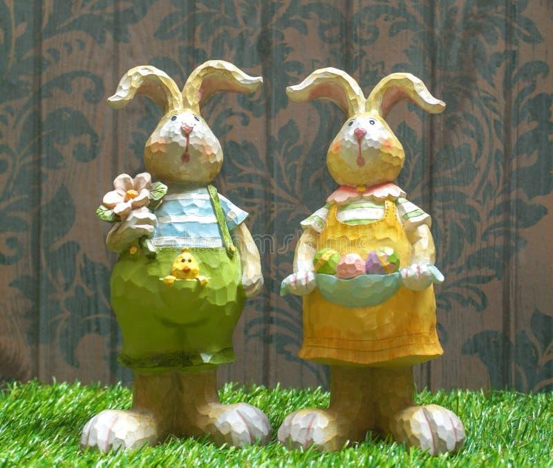 Páscoa Bunny Wooden Sculpture Decoração home da Páscoa imagem de stock royalty free