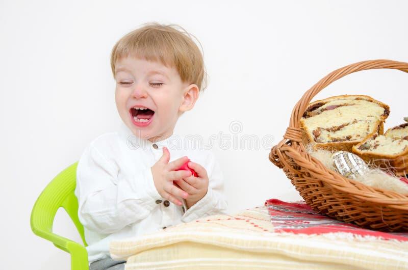 Páscoa e criança tradicionais fotografia de stock royalty free