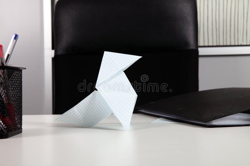 Pássaro de papel fotografia de stock