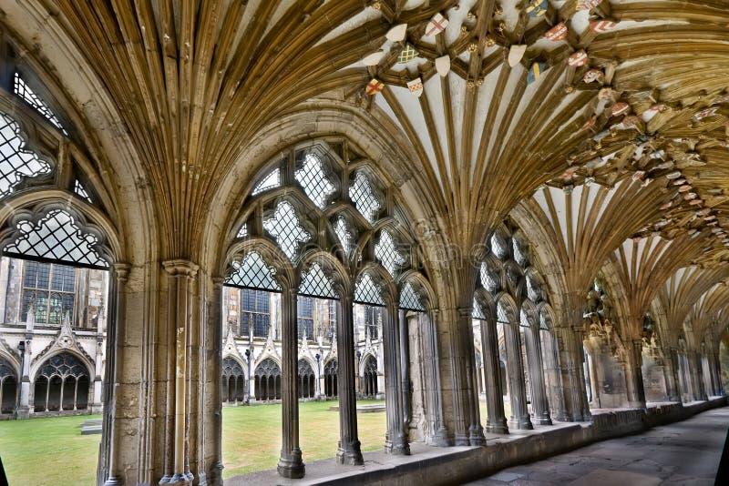 Pátio da catedral de Canterbury imagens de stock