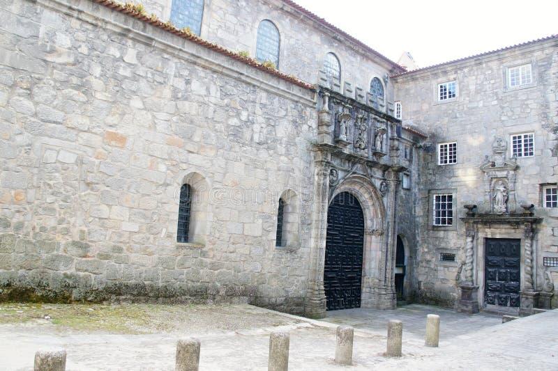 Pátio da igreja de Santa Clara em Porto, Portugal fotografia de stock