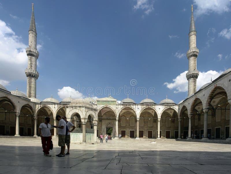 Pátio da mesquita azul fotografia de stock royalty free