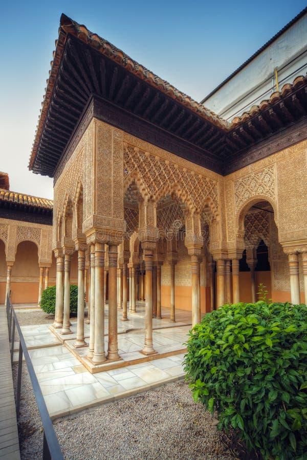 Pátio de Alhambra fotos de stock royalty free