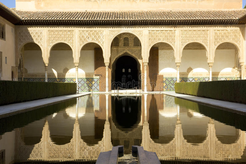 Pátio de Arrayanes de Alhambra, Granada, Spain fotografia de stock