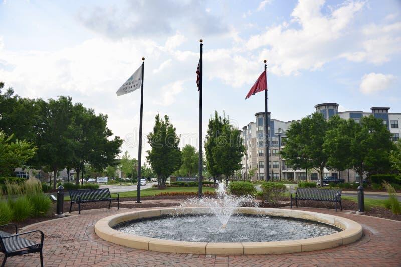Pátio de Embassy Suites, Murfreesboro, TN imagens de stock royalty free