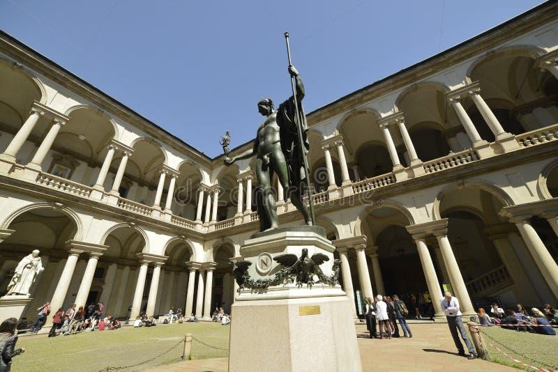 Pátio de Milan Brera Art Gallery foto de stock