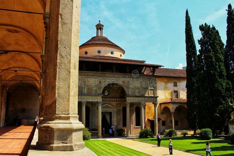 Pátio de Santa Croce Basilica imagem de stock