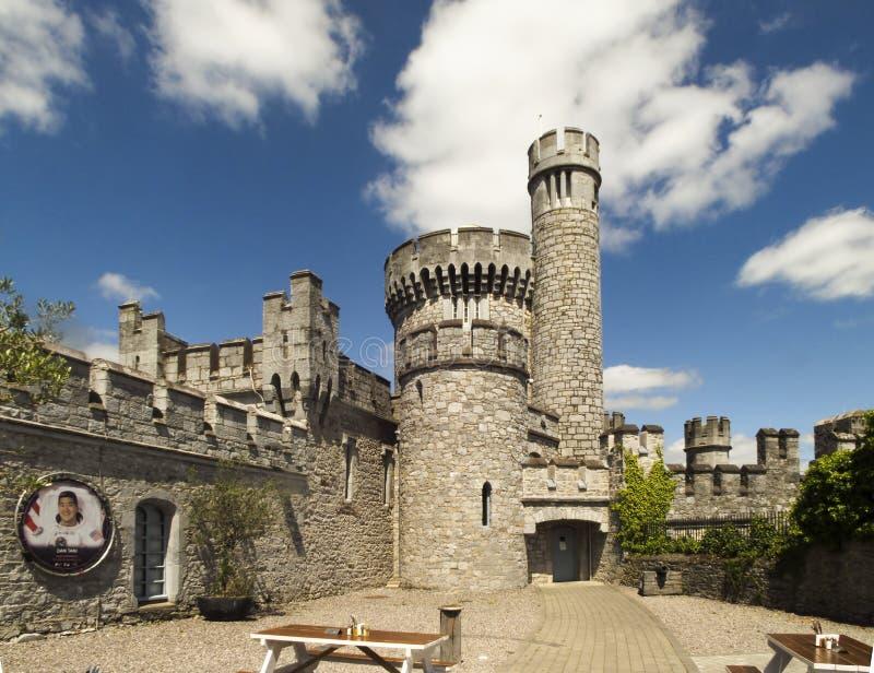 Pátio do castelo de Blackrock na cortiça imagem de stock royalty free