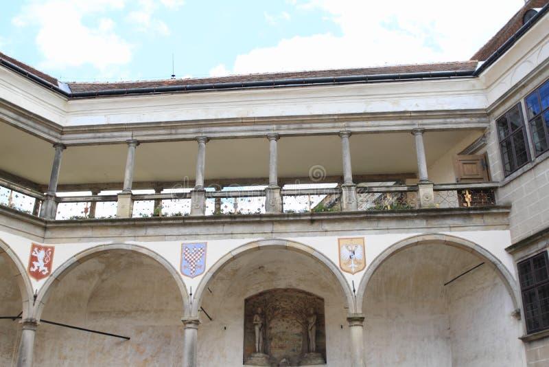 Pátio do castelo em Telc foto de stock royalty free