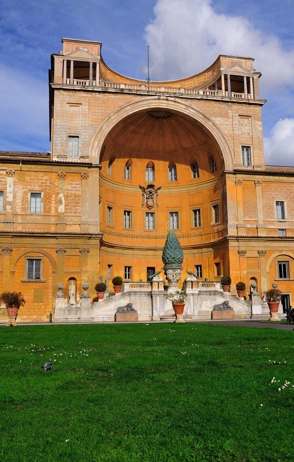 Pátio do museu de Vatican fotos de stock