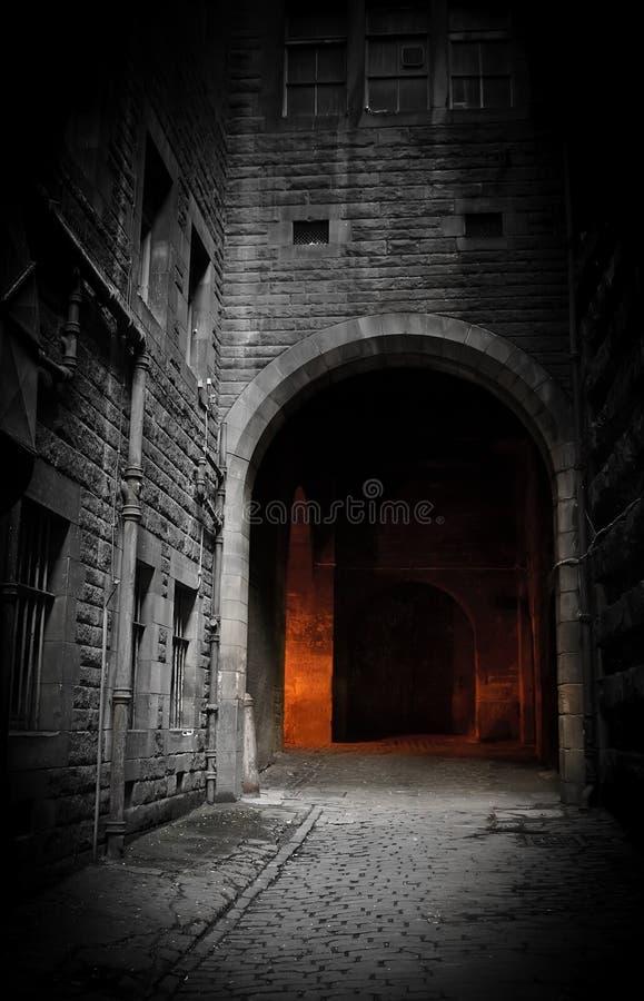 Pátio escuro fotografia de stock