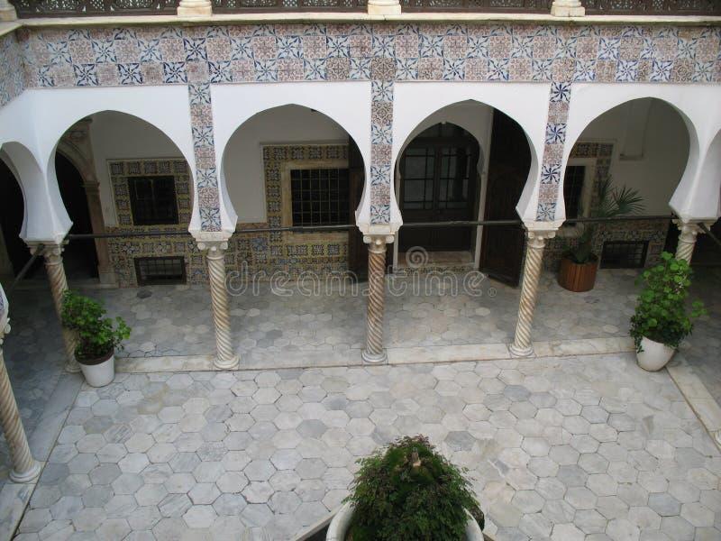 Pátio interno da casa de campo de Casbah do argelino fotos de stock royalty free