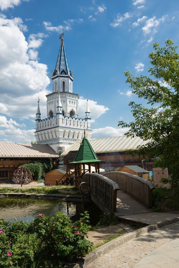 Pátio no Kremlin de Izmaylovsky em Moscou Russo tradicional fotografia de stock