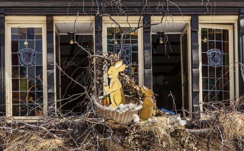 Pâques a décoré la fenêtre à Colmar