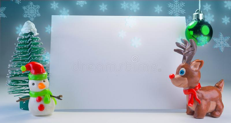 Pâte à modeler puérile Santa tenant la bannière photos libres de droits
