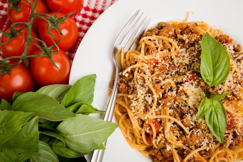 Pâtes avec de la viande, sauce tomate photo libre de droits