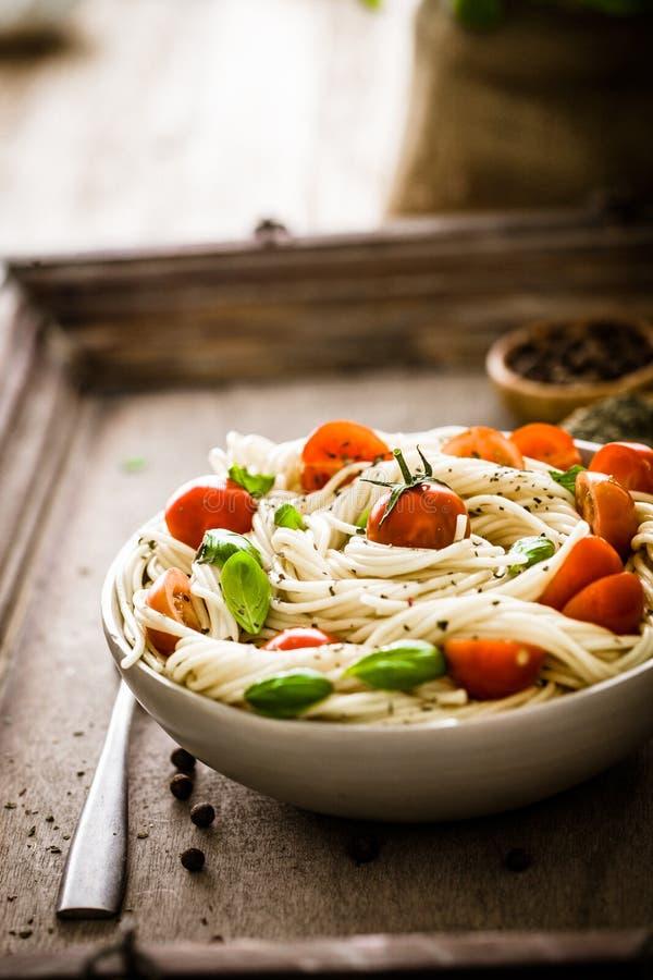 Pâtes avec l'huile d'olive photographie stock